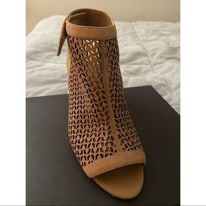 Vince Camuto Leather Peep Toe Sandals - Dastana
